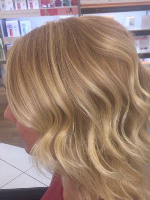 Partial highlights by Daniel Borris at The Salon at Ulta Beauty in Yukon, OK 73099 on Frizo