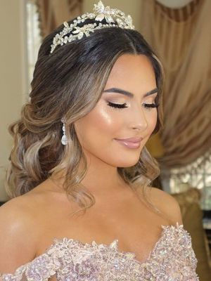 Bridal makeup by Vjollca Broja in Brooklyn, NY 11230 on Frizo