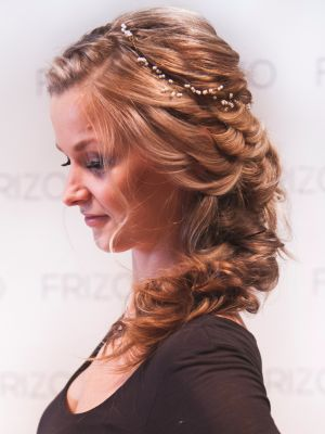 Bridal hair by Stephanie Brinkerhoff in Ogden, UT 84401 on Frizo